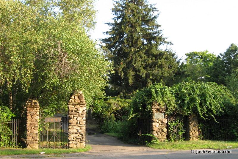 Photo of Plainville Cemetery Entrance